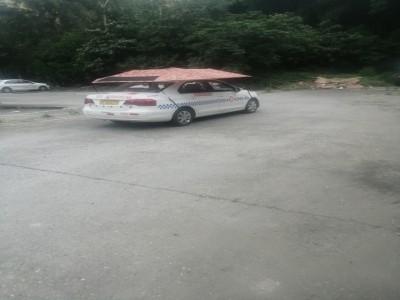 閬中交警五中隊院內非指定練車地點卻有教練車在此練車